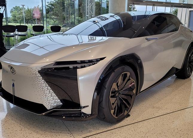 定位中型轎跑SUV 雷克薩斯LF-Z純電動概念車海外曝光
