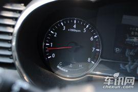 东风悦达起亚-起亚K5-2.0L DLX AT 十周年特别版