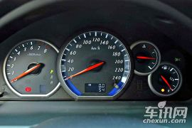 三菱-格蓝迪-2.4 七座舒适版