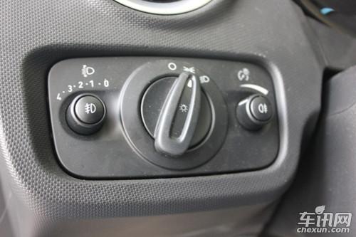 全新嘉年华空调控制区较老款车型没作改动