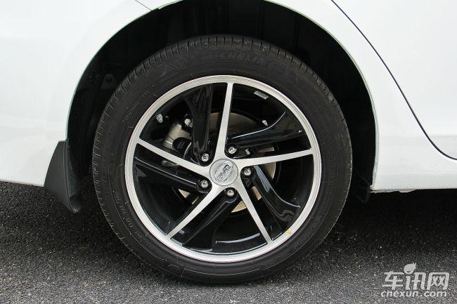轮胎尺寸        205/50