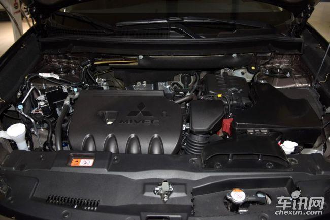 在动力和油耗方面,得益于三菱高环保性能的最新MIVEC发动机和INVECS-III CVT无极变速器,欧蓝德超值版动力输出强劲平顺,燃油经济性亦卓越而高效。其中2.0L款最大功率110kw/6000rpm,最大扭矩190N?m/4200rpm,百公里油耗仅为7.1L;2.4L款最大功率124kw/6000rpm,最大扭矩220N?