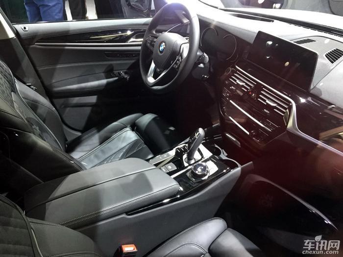 全新一代宝马530e亮相北美车展 搭混动系统