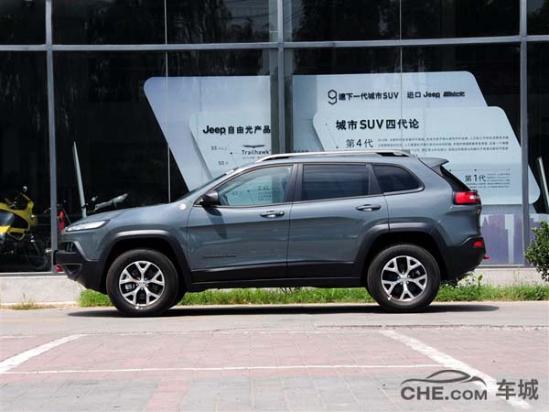 Jeep热销自由光高性能版 最低售价52.99万