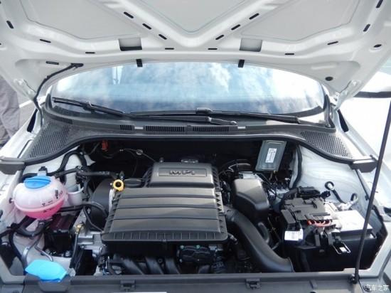 另外,epc电子助力转向的使用也让新桑塔纳更加易于驾驶,低速转向力度