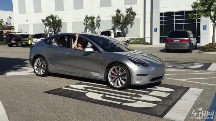 特斯拉Model 3试装车曝光 或7月正式量产