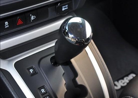 jeep指南者多少钱 进口指南者最低价格 国产指南者4s店优惠 进口粉尘指南者上牌手续 粉尘车指南者环保标准 152-1072-3953何经理