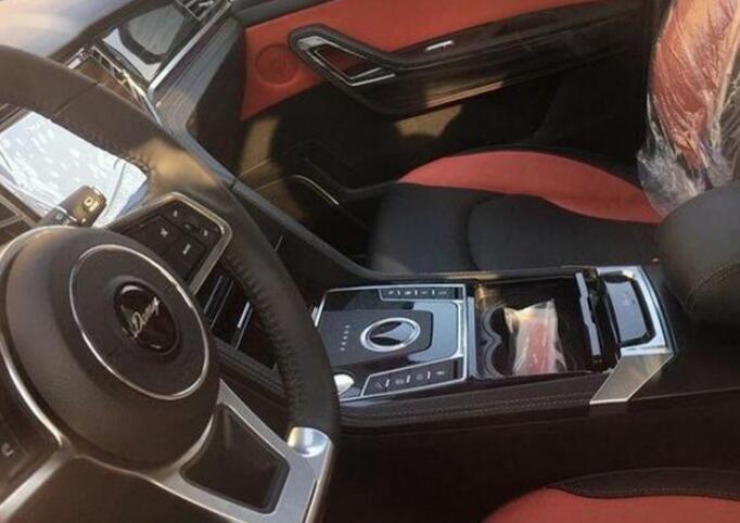 大迈X7推1.8T与2.0T自动挡车型 5月上市