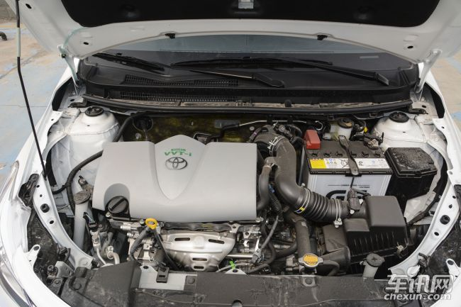 双VVT-i NR系列发动机,匹配8速手自一体S-CVT超智能无级变速器,S-CVT变速器与发动机之间完美配合,始终让发动机保持在高扭力输出的转速范围内,而不需要一味依靠提升发动机转速获得更大动力。S-CVT超智能无级变速器卓越的动能转化效率能使每一滴燃油迸发极致效能,其零时差的换挡特性,更能实现酣畅无间断的加速表现。(文/车讯网 长春 张翀羽)   注:汽车市场价格多变,文章内的价格信息为编辑在市场上采集到的当日实时价格,以当日为准。同时此价格是经销商的个体行为,所以文中价格仅供参考。另外,文中图