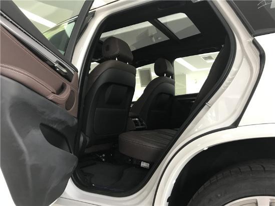 17款宝马X5超强动力和精准操控的性能 SUV中的俊彦