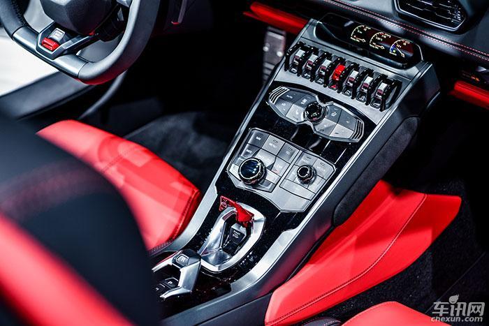 兰博基尼Aventador S敞篷版登陆广州车展