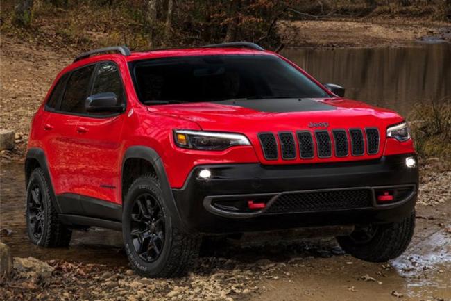 回归一体式大灯 Jeep发布新款自由光官图