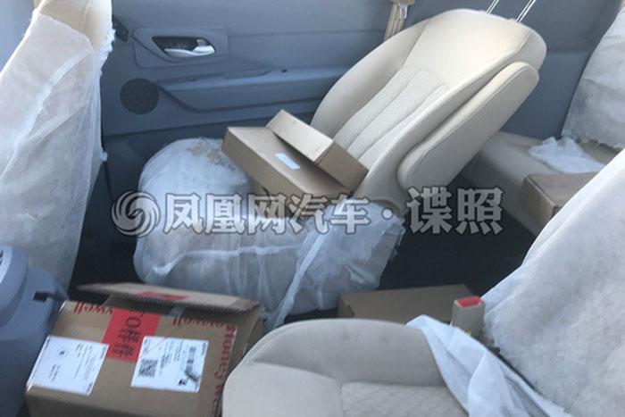 宝骏全新MPV车型谍照曝光 采用7座座椅布局