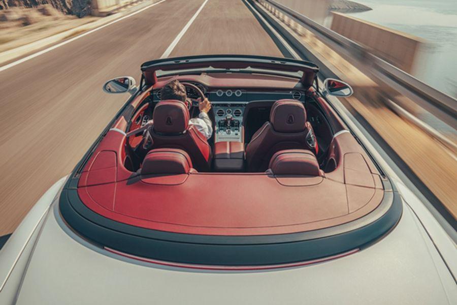 全新欧陆GT敞篷版今晚发布 百公里加速3.8s