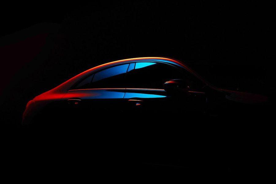 全新奔驰CLA级首张预告图发布 明年1月亮相