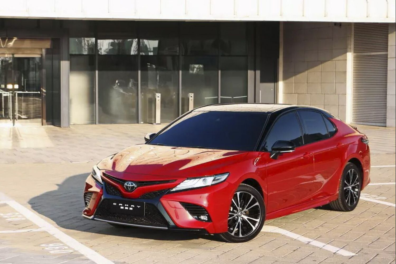 新款丰田凯美瑞上市销售 17.98万元起售