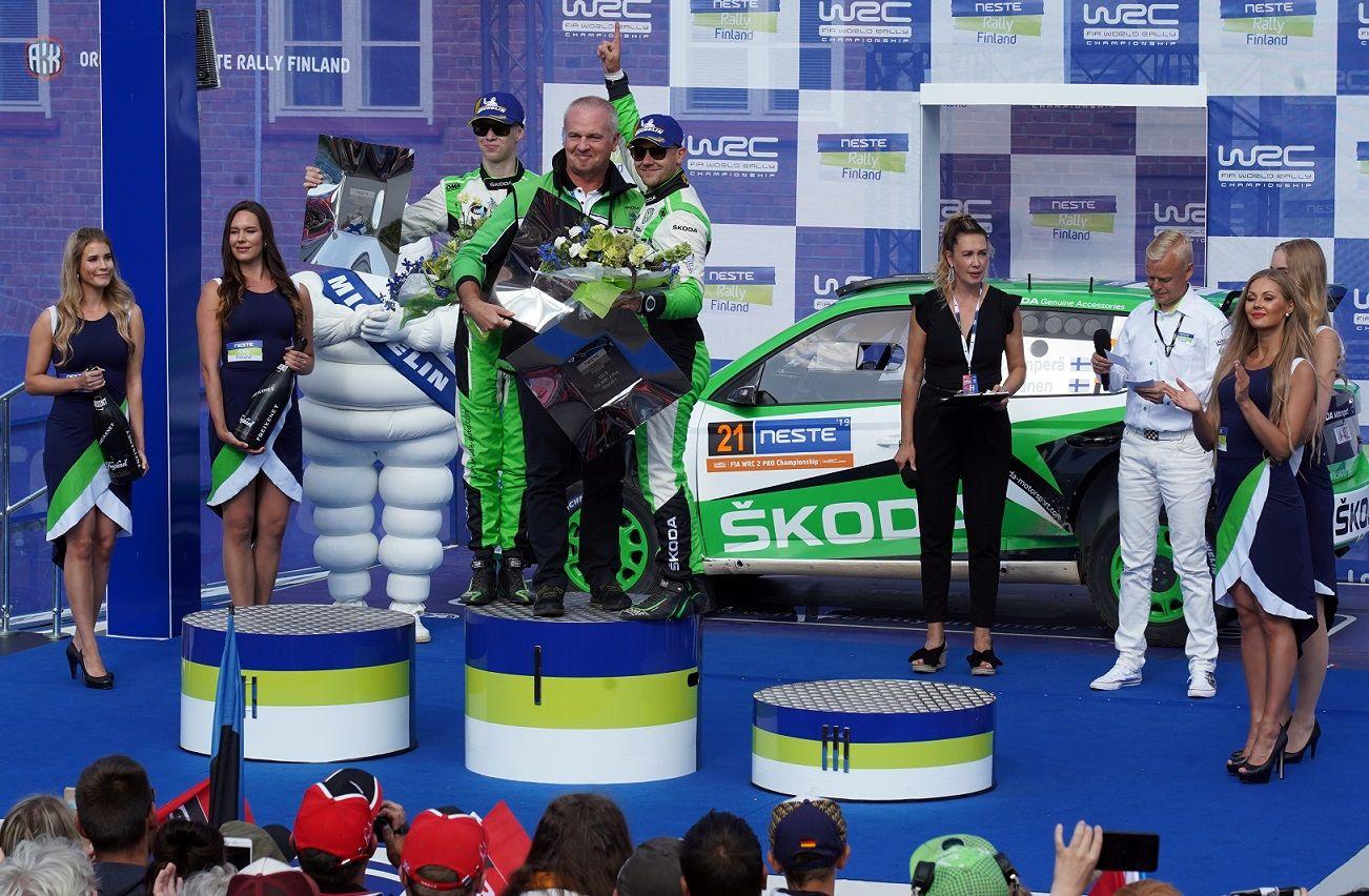 车手Rovanper驾驶斯柯达FABIA R5 evo夺冠