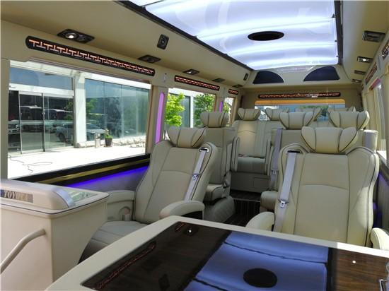 2019款歉田考斯特12座顶级商务车多少钱