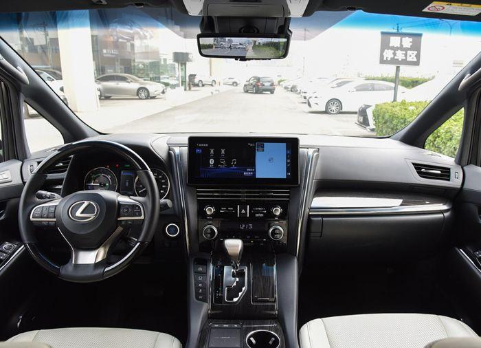 雷克萨斯LM售116.60万元起 现车热销