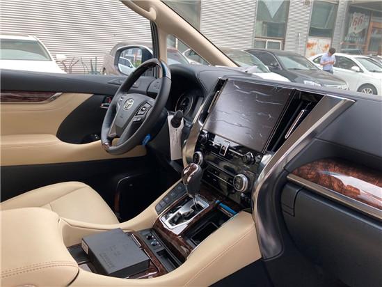 2020款丰田埃尔法高端MPV商务车配置
