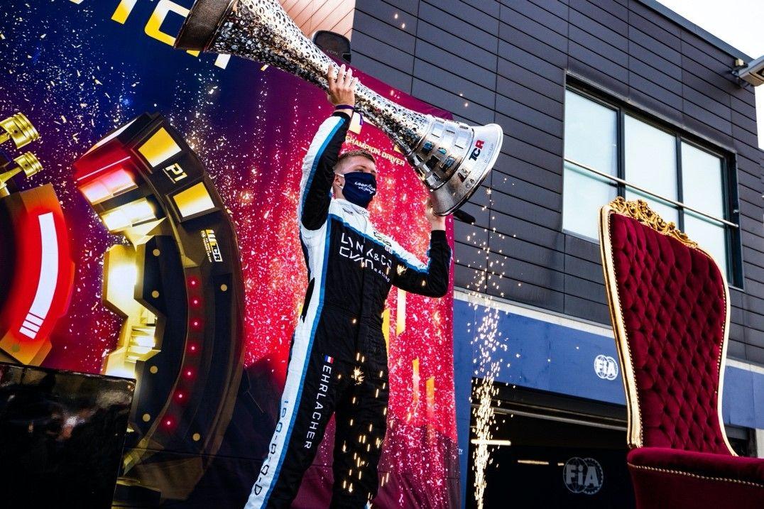 领克车队荣耀加冕2020WTCR车手车队双冠军